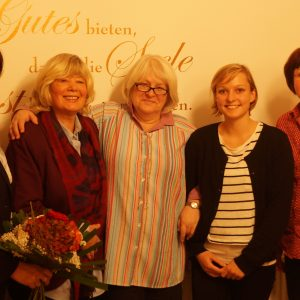Auf dem Bild v. Links: Birgit Kömpel (MdB) Beisitzerin, Elke Hohmann stellv. Vorsitzende,  Monika Oertel Vorsitzende, Schriftführerin Amelie Krain Schriftführerin, Sabine Waschke MdL